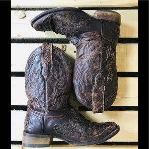 Men's  corral Vintage boots with Python Inlay. 8D